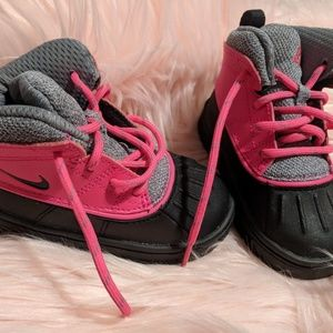 6c Nike Toddler Snow Boots NWOT